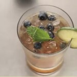 Video: How to Make a Blueberry Mojito
