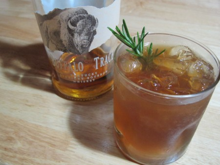 Summertime Cocktails: Bourbon Brown Sugar Lemonade