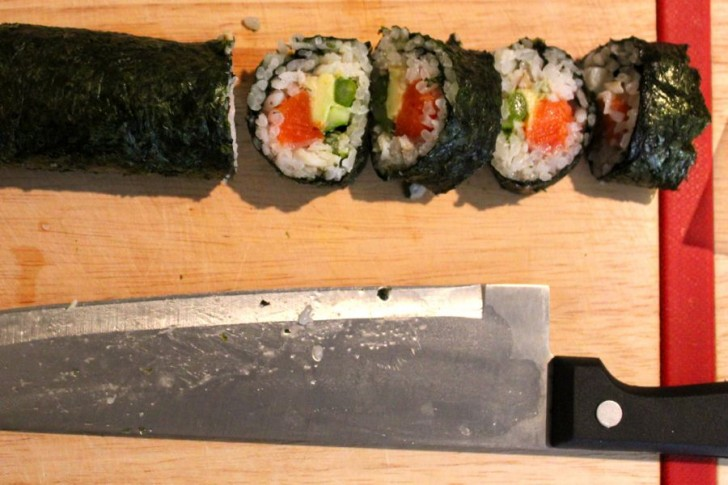 Makizushi Sushi Rolls at Home: Slice Up
