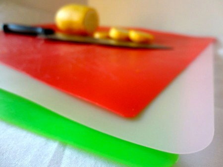 Plastic Cutting Mats: Easy Clean-Up and Chopping