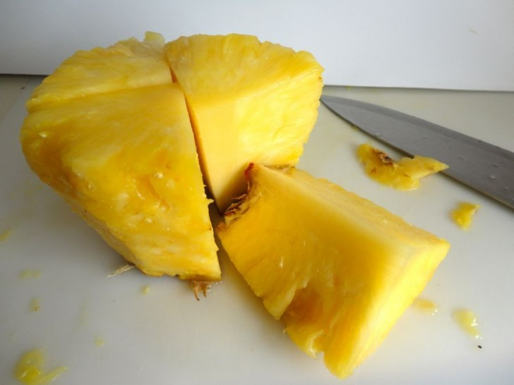 How to Clean a Fresh Pineapple