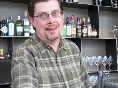 The Differences between Professional and Home Bartending